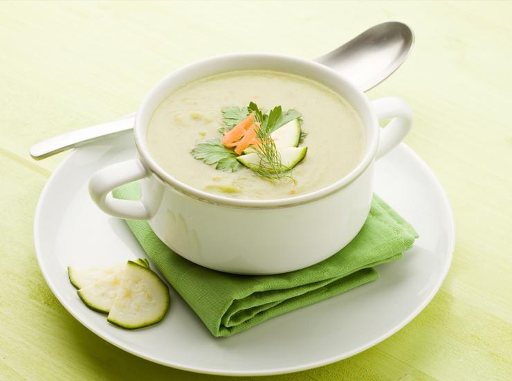Суп из фенхеля с сельдереем
