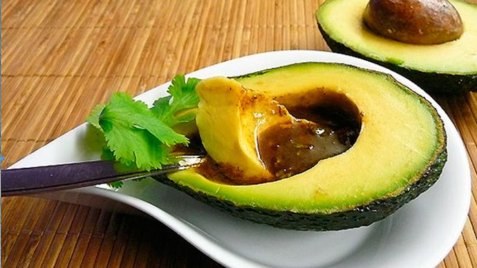 Авокадо с соусом «винегрет»