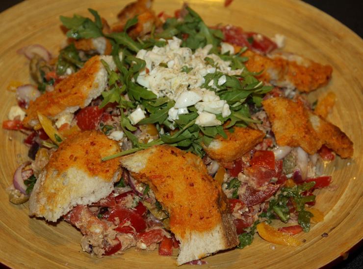 Салат из тунца с хариссой