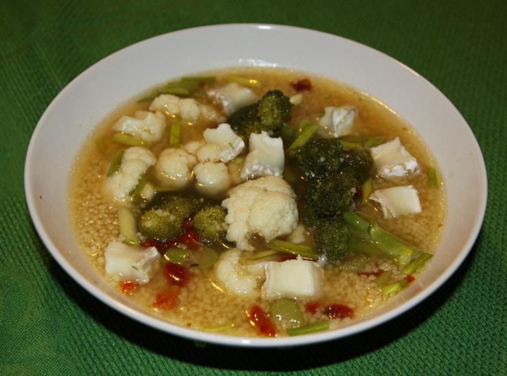 Овощной суп с кускусом за 10 минут