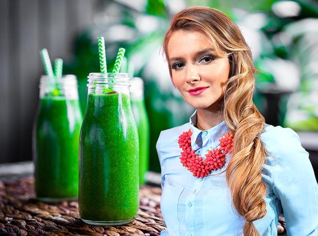 Рецепт дня: зеленый смузи от Ксении Селезневой