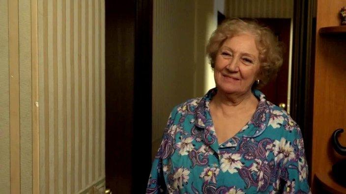 696 серия. Бабушка