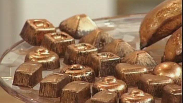 Шоколадные конфеты и вяземские пряники