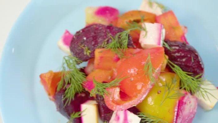 Печеные овощи со свеклой и сыром фета