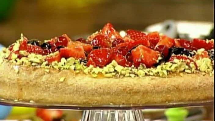 Йогуртовый ягодный торт