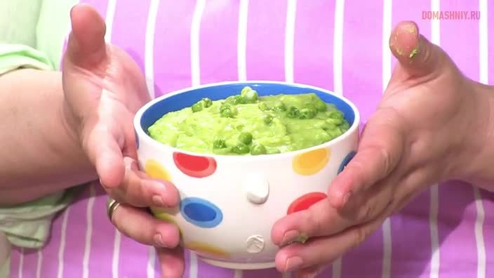 Зеленое пюре из картофеля и горошка