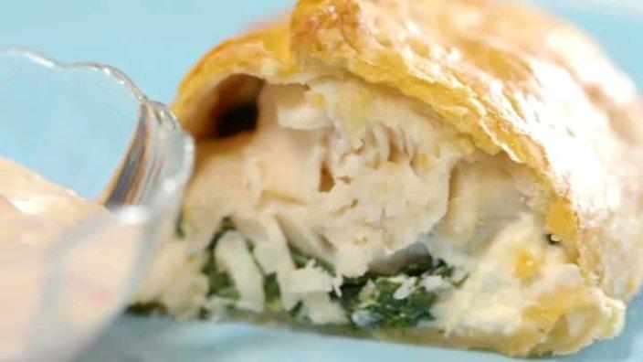 Пирог с судаком, шпинатом и сыром