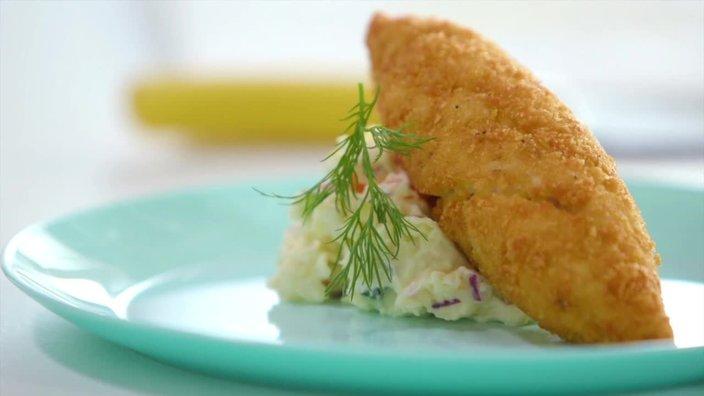 Киевская котлета с картофельным салатом